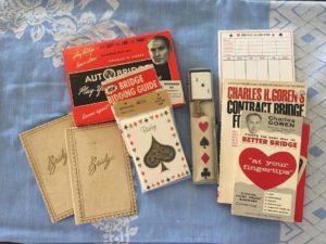 Karty a pravidlá pre bridž.